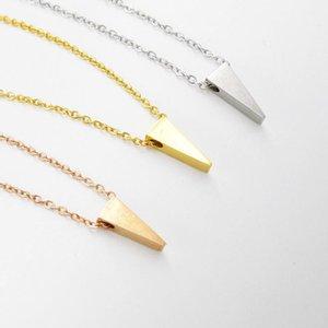 Fnixtar 3 Farben Edelstahl hochglanzpoliert Geometrische Dreieck-Charme-Korn Halsketten-Anhänger 3 * 10mm 40/45 / 50cm 10piece / lot