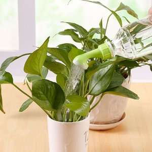 Kreative Gartenplastiktopf Blumentopf-Duschkopf Home Garten Bewässerungsbedarf für die meisten Flaschen Easy Control Wasser Volume