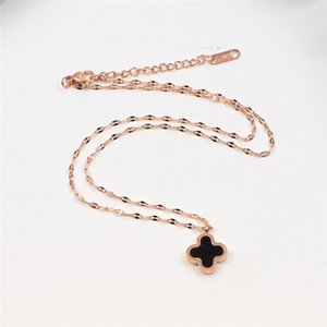Double-Sided Necklace Four-Leaf Clover Black And White Necklace Fashion 18K Rose Gold Plated Necklace Female Color Gold Short Clavicle Chain