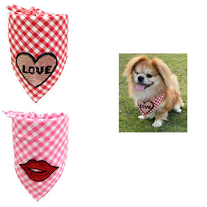 Hunde Schal Valentinstag Dreieck Handtücher Katzen und Hunde Plaid Liebe Cotton Saliva Handtücher Gitter Handtuch