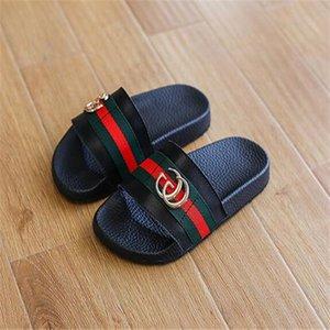 Çocuk Tasarımcı sandalet kız erkek plaj ayakkabı lüks çocuk moda rahat kaymaz terlik flip flop