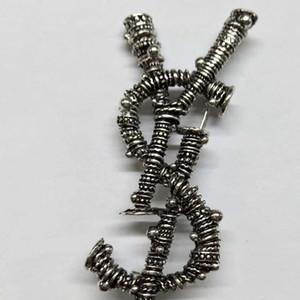 New Designer Lettera Spilla in metallo donne lettera spilla vintage vestito spilla moda Jewwelry accessori di alta qualità