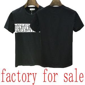 20SS العلامة التجارية الرجال تي شيرت برمودا الأوروبي الهيب هوب المطبوعة بأكمام قصيرة تي شيرت الصيف جولة جديدة الرقبة أبيض وأسود من القطن للرجال قميص