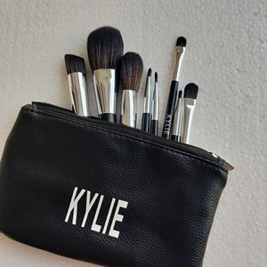 kylie 8pcs set cosmetics Makeup Brushes foundation powder blush Makeup Brushes High Tech Make Up Tools Professional Makeup Brush set dhl.