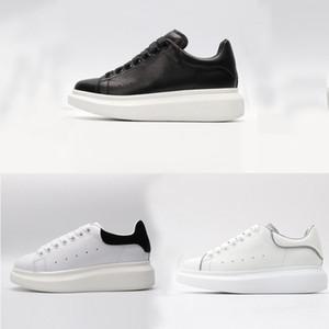Clássico Preto branco vermelho de veludo Sapatos Casuais Moda de Couro de luxo Designer de Plataforma de Sapatos Das Mulheres Macio do couro dos homens Fundo Grosso calçados esportivos
