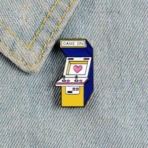 Oyun makinesi emaye pimi video oyunları çocuk için pembe kalp broş Karikatür Rocker Aşk Giyim sırt çantası Yaka pin takı hediye rozet