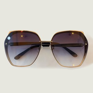 2020 new trend RETRO SUNGLASSES, outdoor fashion versatile glasses sunglasses, 100% anti radiation sunglasses