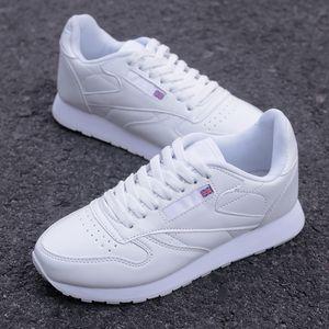 Yeni Basit Erkekler Günlük Ayakkabılar Hafif Sneakers Erkek Su geçirmez PU Deri Moda Zapatillas Ayakkabı Büyük Szie 35-56