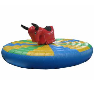 Personalizado colorido inflable juego de paseo toro humano 5 m dia inflables manual toro monta fiesta de carnaval alquiler barato toro humano juegos de montar