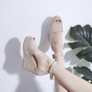 sandalias de las mujeres de las cuñas de boca de los pescados de gran tamaño nueva Europa 2019 de verano con una palabra hebilla con los zapatos de las mujeres