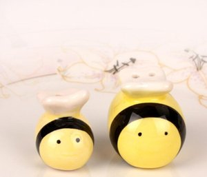 Honey bee jar ceramic salt & pepper shakers bee shaped cruet Wedding gifts and favors Baby shower party souvenirs