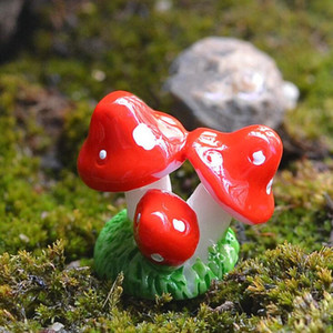 XBJ227 Cute Red Mini Mushroom Resin Crafts Fairy Garden Miniatures Garden Ornament Decoration Terrarium Figurines Decor DIY Dollhouse