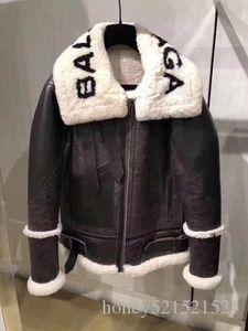 새로운 가을 겨울 디자인 패션 여성의 가짜 양고기 모피 패치 워크 편지 인쇄 스웨이드 가죽 따뜻한 자켓 코트 플러스 크기 S M L XL