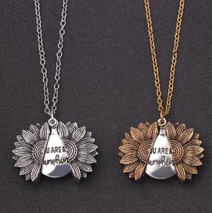 """Neue Sonnenblume Legierungs-hängende Halskette gravieren Letter """"You Are My Sunshine"""" Choker öffnen Medaillon I LOVE YOU Charm Halskette Frauen Valentinstag"""