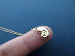 30 pequena Seashell shell pingente de jóias Colar Náutico Colar Ariel Voz Conch Spiral Sea Swirl Caracol Ocean Beach