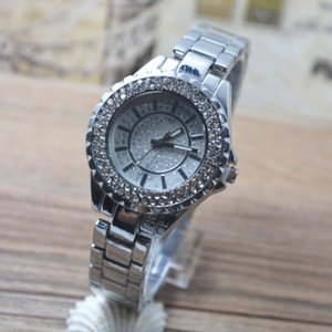 2018 New Diamond Studded Steel Belt Ladies Watch Fashion Point Diamond Noodles Ding Scale Quartz Diamond Watch Wholesale