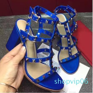 Mode Luxuxqualitäts europäischen Stil Dame Sandalen, importiert leather.Women Sandalen. Damenmode Niet Sandalen
