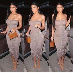 Vestidos Moda Strapless Womens Apparel Kim Kardashian Bodycon vestidos plissados Peplum Sexy Ladies Club