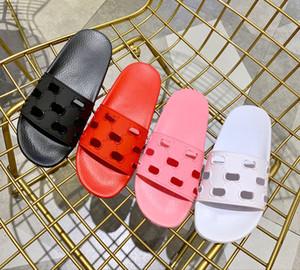 Pre-AW19 colección para mujer diseñador de moda piscina deportiva sandalias de goma sandalias planas zapatillas con logotipo de firma patrón de corte