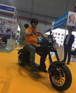 Retro carro esportivo da motocicleta elétrica Max Velocidade 45 km / h Faixa de 35-55 km / h frente 12 polegada de largura pneus traseira de 12 polegada polegadas
