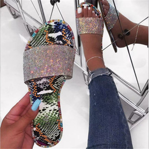 Hot sale lady beach slide Amazon New style girls diamond Shoes Slippers Women flat sandals R1130