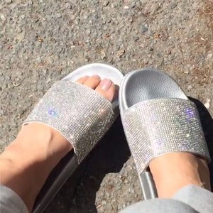 Strass Mulheres Hausschuhe Flip Flops Fraldas De Verão Diamantes Que Bling Praia Gleitet Sandalen Casual Schuhe Slip On Slipper