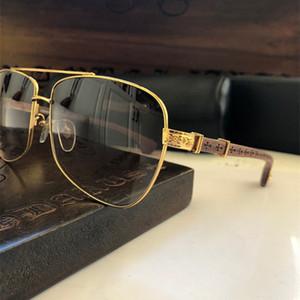 Yeni moda tasarımcısı güneş gözlüğü kare kare ahşap oyma tapınak Retro gözlük TOP kalite Punk tarzı çantası ile gelir Slapper