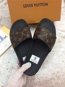 2020 tutte le pantofole classico moda in pelle Flip Flop sandali unisex dei pistoni dei pattini delle donne degli uomini i sandali di formato 35-46 R02