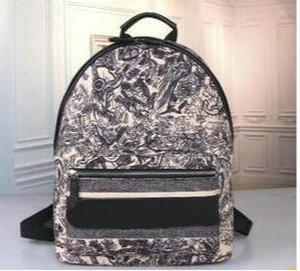 2020 Hot Vente design en cuir sac à dos femmes Sacs à dos en toile Designer Casual Mode Pack Femmes Retour Cartable Sacs