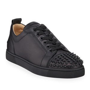 Designer Sneakers Top Bas Red Spikes Flats Chaussures Hommes Femmes en cuir suédé Sneakers Party Designer Shoes