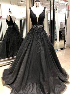 Vintage Siyah Gotik Renkli Gelinlik V Yaka Boncuklu Bel Dantel Tül Kadınlar Olmayan Beyaz Gelinlik Olmayan Geleneksel Düğün 2020