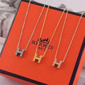 클래식 H 편지 펜던트 목걸이 여자 3 색 티타늄 목걸이 조류 Jewelrys 여자 생일 무료 배송 높은 품질을 선물
