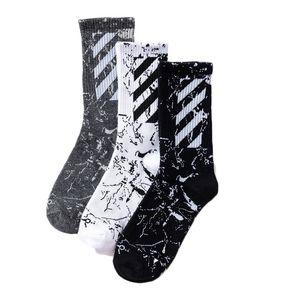 Erkek kadın tasarımcı marka çorap çorap gelgit marka orijinal Harajuku tarzı ile yeni diyagonal çizgili pamuklu çorap spor Yeni stil