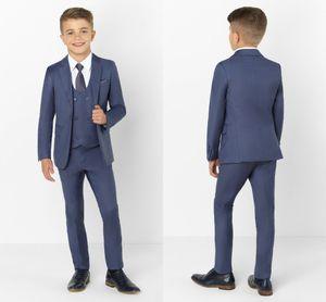 Moda Moda Çocuk Giyim Seti Erkek Çocuk Örgün Balo takımları (Ceket + Pantolon + Kravat + Yelek) Yaka Çocuk Suits Peaked