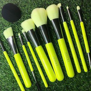 Maquiagem Docolor 10pcs Professional Brushes Pó Foundation sombra de olho compo escovas Set Cabelo Sintético escova Neon Cosmetics