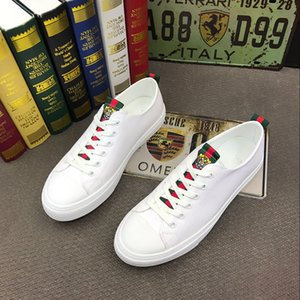 2019 NUEVO Diseñador de Moda Hombres blanco rojo negro colores Casual zapatos de los planos Oxford británico caballero vestido de boda Homecoming Prom mocasines a199