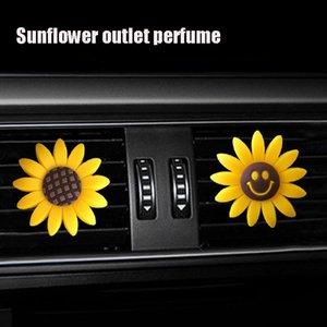 자동차의 매력 귀여운 노란 해바라기 자동차 실내 공기를 장식 향수, 창조적 인 아로마 공기 청정기와 컨테이너 (웃는 얼굴) 배출