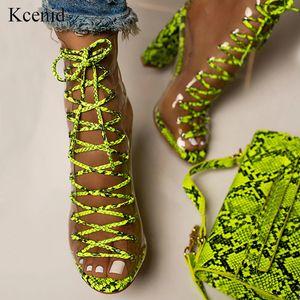 Kcenid verde serpentino PVC transparente sandálias tornozelo botas para as mulheres Peep Toe Lace-up Gladiador Chunky High Beels Sapatos de verão