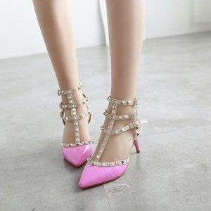Hot venda- de luxo designer sandálias de cunha parte inferior vermelha spike casamento Partido Sandales cravejado derrama femmes seis centímetros