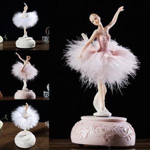 Ballerina Music Box Dancing Girl Swan Lake Carousel avec une plume pour cadeau d'anniversaire AC889