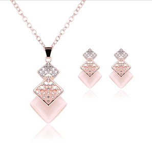 Crystal Bridal Jewelry Set Rhinestone Stud Earrings Pendant Necklace Set Women Party Jewelry Bridesmaid Wedding Accessories