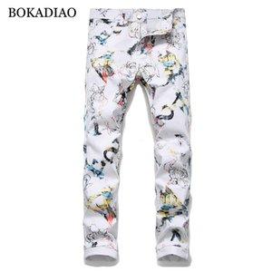 BOKADIAO hombre jeans de moda personalizada de moda Imprimir vaqueros rectos de los hombres pantalones blancos salvajes pantalón de mezclilla delgada masculina Streetwear