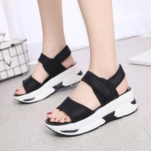 Lovely2019 Yaz Kadın Sandalet Yeni Bir Kelime Tipi Düz Renk Beyaz Arka Plan bayan Ayakkabıları Özellikle Fon