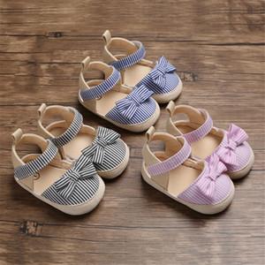2020 Kinder-Sommer-Schuhe neugeborenes Kind-Baby-weiche Krippe Schuhe Kleinkinder Anti-Rutsch-Sneaker Striped Bow Prewalker 0-18M