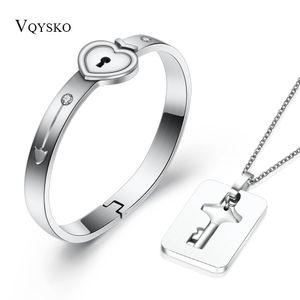 Una Pareja Conjuntos de Joyas de Acero Inoxidable Love Heart Lock Pulseras Brazaletes Llavero Colgante Collar Parejas C19041701