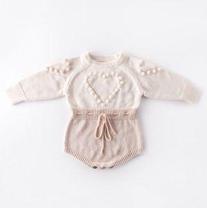 Детские вязаные Одежда Сердце Baby Girl Romper Pompom новорожденных девочек свитер дизайнер Новорожденный Комбинезон Осень Зима Детская одежда DW4652