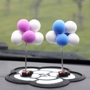 Geschenk Puppe Auto Dekoration Innen Zubehör Kunststoff-Faser-Material Auto-Armaturenbrett Cartoon-Lehm-Ballon-Geschenk-Puppe-Autoverzierungen EEAA467
