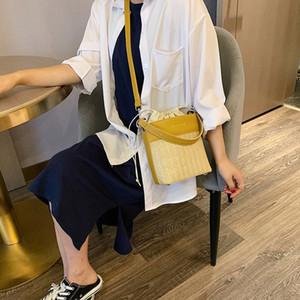 Designer Borse Messenger Bag Woven 2020 nuovo modo di lusso portatile Borsa Secchiello marea Designer Shoulder Bag paglia