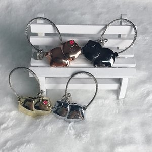 2pcs set Couple Lovers Magnet Kiss Pig Keychain Baby Souvenirs Wedding Gifts for Guests Bridesmaid Gift Party Favors Present