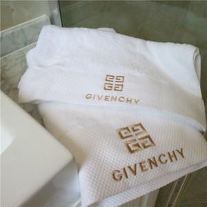 Tendance Ensemble de serviettes avec boîte 100% coton blanc Serviette de bain deux COMBI eau douce serviette Absorptions Livraison gratuite Vente chaude